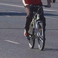 В Омске автоледи сбила 11-летнего велосипедиста