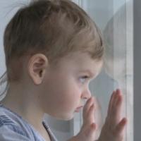 Омичка оставила двухлетнюю дочь у подруги и не вернулась