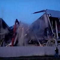 Очевидцы сообщили, что «Арена Омск» рухнула