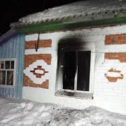 На пожаре в Омской области погибли два человека и пострадал ребенок