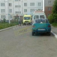 В Омске из окна дома выпала двухлетняя девочка