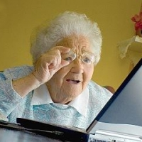 Омские пенсионеры выйдут в онлайн