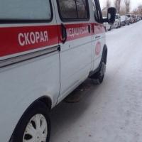 Неизвестный сбил школьницу в Омске и скрылся