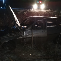 В Омской области, водитель перевернулся на машине в кювет и выжил