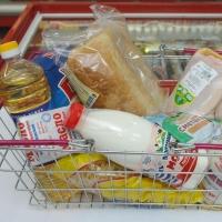 Минимальный продуктовый набор в Омской области подешевел на 2,5%