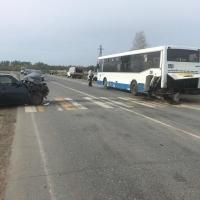 Под Омском в ДТП с автобусом пострадала кондуктор
