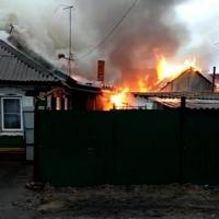 Омские полицейские спасли семью из горящего дома