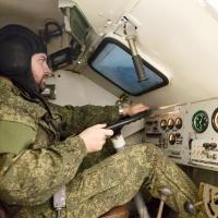 Омских священников научат управлять БТРом, а оружием – нет