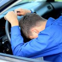 Омских водителей отучат спать за рулем