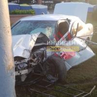 В центре Омска о столб разбилась «Тойота»