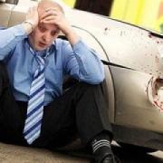 Автомобиль обрушил светофор в Нефтяниках на коляску с ребенком