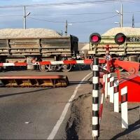В Омской области ж/д переезды оборудовали сиренами и проблесковыми маячками