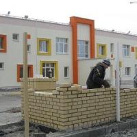 Омская администрация утвердила строительство четырех детских садов и одной школы