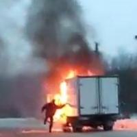 В Омске сгорела грузовая ГАЗель