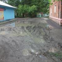 В соцсетях предложили составить карту заболоченных дворов Омска