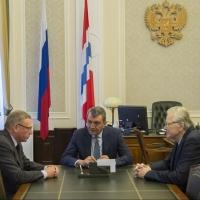 Бурков отчитался перед Меняйло о запуске отопительного сезона и результатах уборочной кампании