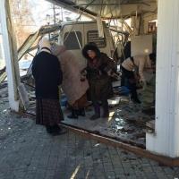 Возле Соборной площади в Омске маршрутка влетела в церковную лавку