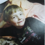 В Омске пропавшего мальчика нашли у кинотеатра
