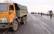 В Омске охранник погиб, врезавшись в КамАЗ