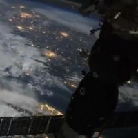 Российский космонавт сделал фантастическое видео полета МКС над Землей