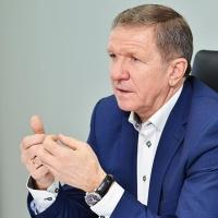 Бурков начал заседание с поздравления своего первого заместителя