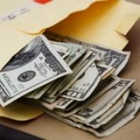 В Омске заместителя главы округа заставили вернуть взятку в двойном размере