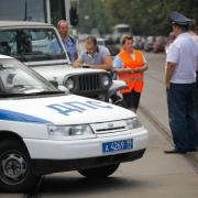 В Омске мужчина привлек внимание экстренных служб
