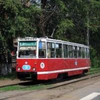 В Омске обновили шпалы на трамвайных путях