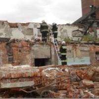 В Омске полиция проводит проверку по факту гибели сторожа при обрушении здания заброшенного цеха