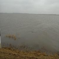 Последствия подтопления в Омской области устраняют около 400 человек