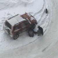 В Омске под машиной нашли гранату