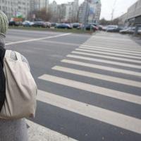 """В Омске водитель иномарки сбил школьницу на """"зебре"""""""