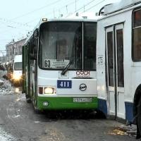 Омская мэрия с нарушениями приняла решения об отмене автобусных маршрутов