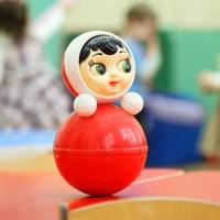 В детском саду Омска двухлетний мальчик получил перелом бедра