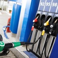 В Омске снова выросли цены на бензин