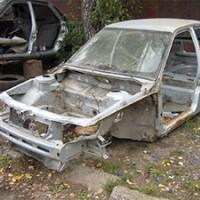В Омске мужчина и женщина пытались украсть кузов от ВАЗа