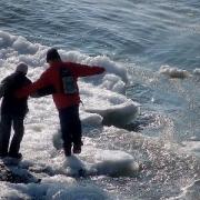 В Черлакском районе местные жители вытащили девочку из-подо льда
