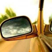 19-летняя автоледи сбила на омской трассе целую семью