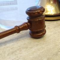 Водителю-наркоману суд дал 1,5 года колонии-поселения за аварию на омском мосту у Телецентра