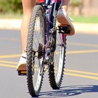 Поздно вечером пьяный омич сбил школьницу на велосипеде