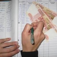 В Омске пожилая бизнес-леди лишится квартиры за многомиллионное хищение
