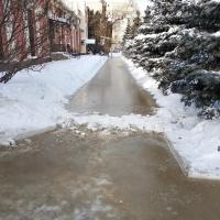 В центре Омска в мороз случился потоп