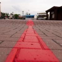 В Омске туристов предложили водить по красной дорожке