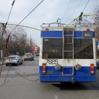 В омском троллейбусе после Победного салюта завязалась драка из-за одежды
