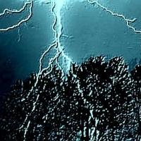 В Омской области от удара молнии погиб ребенок