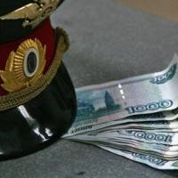 Торговавшая на рыке Омска женщина хотела подкупить полицейского за 40 тысяч