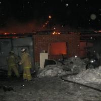 В Омской области в СТО сгорело 4 иномарки