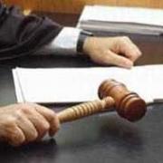 За избиение трех граждан милиционера наказали условным сроком