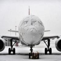 Из-за снега Москва не отпустила в Омск пассажирский самолет