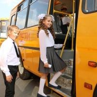 На автобусы для школ Омской области выделят еще 90 млн рублей